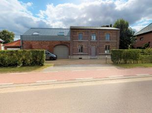 Rekemerstraat 81, 3621 Rekem<br /> <br /> Gunstig gelegen aan de rand van het dorp Rekem, een deelgemeente van Lanaken, ligt deze ruime vrijstaande wo