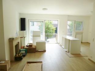 Situé proche du centre de Kraainem, bel appartement entièrement rénové de 80 m² se composant d'un hall d'entré