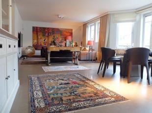WEMMEL - REF: 3576075 - UITZONDERLIJKE WIJK: In het centrum van Wemmel, bieden wij u deze prachtige duplex met 2 kamers, een mooi terras en een garage