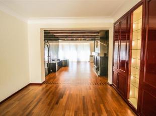 LAEKEN - REF: 3756992 - Quartier Tour Japonaise: Nous vous présentons cette superbe maison unifamiliale avec double garage et un jardin! Celle-