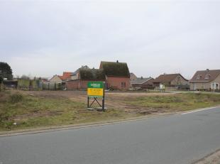 Perceel bouwgrond bestemd voor open bebouwing met een oppervlakte van 04a95ca (lot 3).<br /> Het perceel is gelegen in het centrum nabij tal van winke