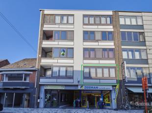 Gezellig en zeer goed onderhouden appartement (87m²) met 2 slaapkamers en garagebox gelegen in het centrum.<br /> Het appartement bevindt zich op