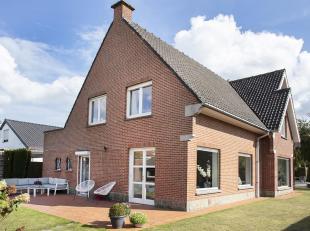 In de www.mayeurlaan23.be in Kortrijk stellen we jou graag deze ruime alleenstaande woning voor.  Dat de woning beschikt over 6 slaapkamers zal voor d