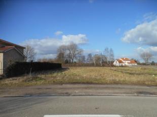 Bouwgrond voor HOB met een oppervlakte van 5A 48CA op uitstekende en rustige ligging in Mol-Millegem. Soepele bouwvoorschriften. Plan en info via onze