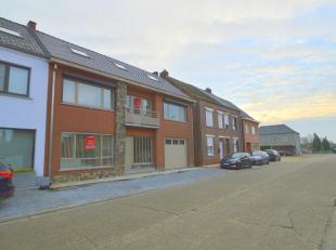 Instapklare en energiezuinige woning, zeer rustig gelegen op 406 m² grond in het centrum van Hulst (Tessenderlo).<br /> Ligging:<br /> rustig gel