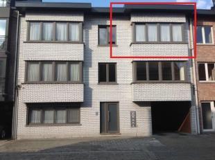Compleet gerenoveerd ruim appartement van 90m² gelegen te Geel-centrum. (tweede verdieping - geen lift aanwezig). Het appartement is instapklaar