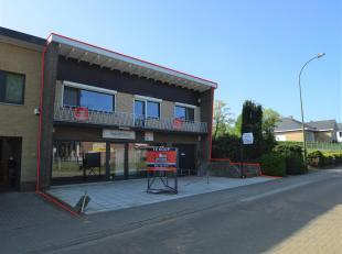 Woonst met 4 slaapkamers en zeer grote tuin + onderliggend handelspand gelegen in het centrum van Tessenderlo<br /> Totale oppervlakte perceel = 1104