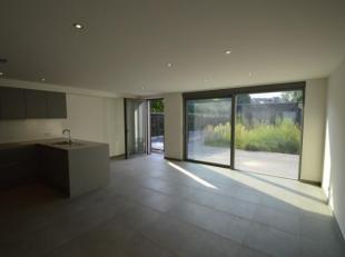 Prachtig gelijkvloers nieuwbouwappartement gelegen in het centrum van Geel!<br /> Bestaande uit:<br /> - woonkamer<br /> - keuken<br /> - berging<br /