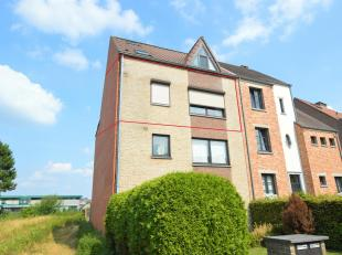 Instapklaar appartement met 2 slaapkamers gelegen in het centrum van Geel!<br /> Ligging:<br /> <br /> Zeer centrale ligging: alle faciliteiten (de sc
