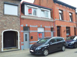 Te renoveren woning met ruime tuin en 2 slaapkamers gelegen op een toplocatie in het centrum van Geel!<br /> Ligging:<br /> Deze woning bevindt zich i