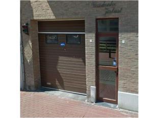 Ondergrondse autostaanplaats te huur in hartje Blankenberge! (achterzijde zeedijk, thv de pier).<br /> 65 euro per maand.<br /> 250 euro huurwaarborg,