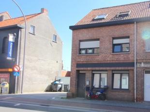 In het centrum van Sint-Pauwels, een rustige deelgemeente van Sint-Gillis-Waas, vlakbij de invalswegen naar Gent, Antwerpen en Brussel, vindt u deze o