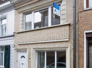 Bestaat er een mooiere ligging in Gent? In de mooie en rustige Zilverenberg, vlak aan de REEP, middenin het centrum van de stad treft men deze instapk
