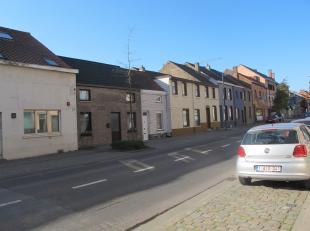 Mooi recent (1993) dorpshuis in perfecte staat te koop.170 m² bewoonbaar, met grote living, 50 m², volledig uitgeruste keuken, 16 m², b