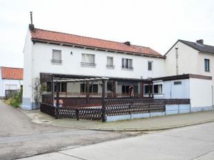 Deze woning is gelegen in het landelijk Diets-Heur bij Tongeren, rustig en weg van de drukte van de stad.<br /> Gelijkvloers: inkomhal, woonkamer met
