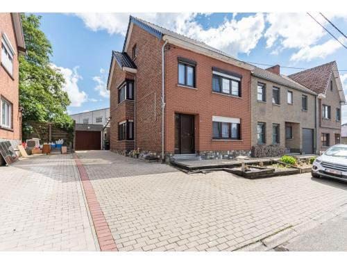 Maison à vendre à Attenhoven, € 210.000