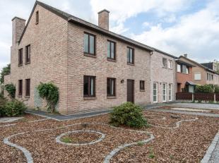 Deze goed onderhouden ruime woning vinden we terug op een zeer rustige locatie in Kuringen. De Kuringersteenweg bevindt zich op 1km, vanuit hier bent