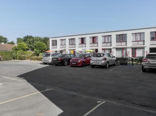 Autostaanplaats in afgesloten parking, gelegen aan de Blekkaertstraat +22 (achterzijde Kapelstraat 303).