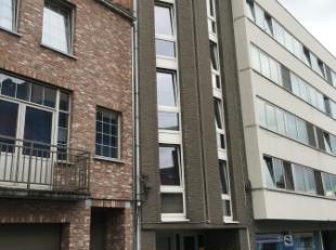 Leuk flatje te huur in Leuven Centrum!<br /> <br /> Dit appartement ligt vlakbij het station van Leuven, winkelstraten en supermarkten. Het flatje zel