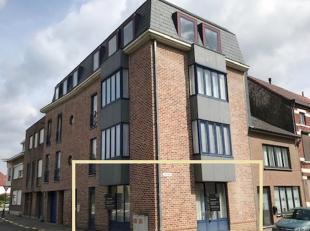 Mooi onderhouden en lichtrijk appartement op een toplocatie in het centrum van Diest! Het gelijkvloers omvat een geïnstalleerde keuken, berging,