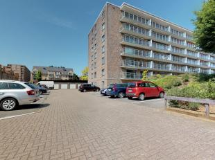Mooi onderhouden en instapklaar appartement te Heverlee. Dit appartement is maar liefst 160m2. Het appartement is gelegen op het 2de verdiep en is te