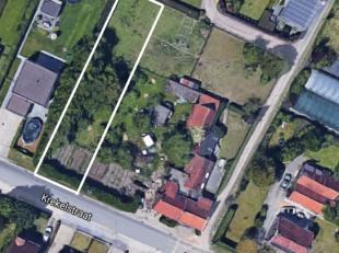 Uitstekend gelegen bouwgrond van 690 m² voor halfopen bebouwing. Topligging, dichtbij alle op-en afritten, dichtbij centrum Zwijnaarde/Sint Denij