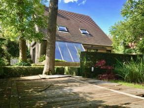 ruimte en rust, op te frissen villa op superling Omgeven door groen nabij AZ sint-Lucas, de zeven torentjes, rustig in kindvriendelijke buurt. Verrass