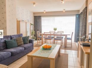 Gelijkvloers appartement van 84m² gelegen in een rustige straat met voldoende parkeergelegenheid.Interresante investering of voor eigen bewoning.