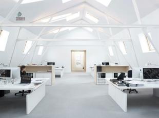 Ruim kantoor te huur, gelegen te centrum Brussel, vlak bij de Dansaertstraat, op de 3de verdieping van een modern kantorencomplex met diverse facilite
