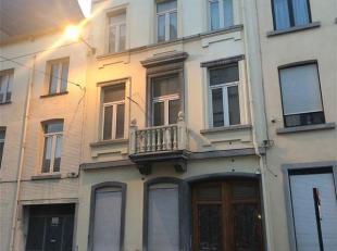 A coté du Quai à la Houille, immeuble ayant obtenu le permis pour l'aménagement de 6 unités indépendantes, les trav