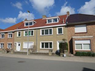 Te renoveren gezinswoning in kindvriendelijke omgeving.<br /> De woning is gelegen in het centrum van Assebroek, letterlijk om de hoek van de verschil