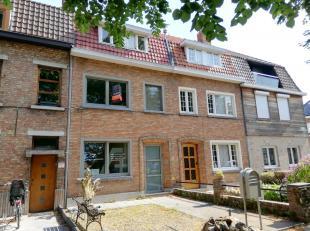 Verrassend ruime woning op wandelafstand van centrum Brugge.<br /> De mobiscore van 8.7 verraadt dat deze woning zéér goed gelegen is op