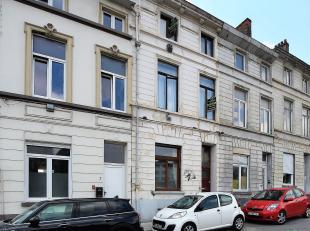 Prachtige burgerwoning in het centrum van Gent met een bruikbare vloeroppervlakte van ongeveer 250m²! Deze woning gelegen op de Stropkaai nummer