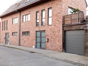 Recente woning gelegen vlakbij de N49 Antwerpen-Knokke en het centrum van Assenede. Verder beschikt de woning over drie slaapkamers,twee badkamers, in