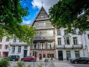 """Dit uniek, historisch """"stadspaleis"""" is één van de verborgen parels gelegen in het oude centrum van Brugge, aan het welgekende Astridpark"""