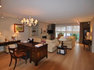 """Uitzonderlijk en groot appartement met 3 slaapkamers. Gelegen op het derde verdiep van Residentie """"Zoute Palace"""" Dit luxueus en mooie appartement (160"""