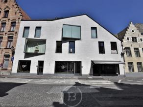 Ruim luxe appartement in het hartje van Brugge! Dit nieuwbouwappartement is gelegen in de Residentie Gouden Boom, dit op 5 min. wandelafstand van de G