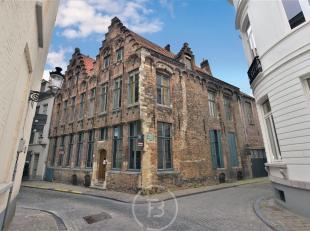 Subliem renovatieproject in het hart van Brugge. Gelegen tussen het Jan van Eyckplein & Sint-Jansplein. Dit pand biedt tal van mogelijkheden, het