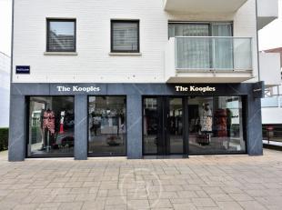 Ruim handelspand (150 m²) in de Kustlaan te Knokke met een verkoopruimte van 105 m². Het handelspand is voorzien van een 30 meter lange etal