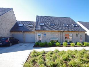 Deze recente gezinswoning situeert zich nabij het centrum van Sint-Andries in een oase van rust. De woning voldoet aan de nieuwste bouwnormen en werd