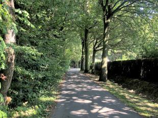 Rustig en stijlvol wonen op een prachtig perceel van 6.425 m². Mooi gelegen in Hertsberge (Oostkamp) nabij het natuurgebied van Lippensgoed-Bulsk