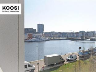 Dit prachtige appartement bevindt zich op de 4de verdieping van residentie Westkaai 71, in het hart van het bruisende Eilandje.  Het beschikt over een