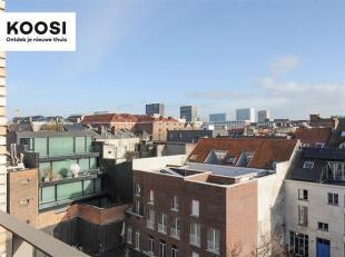 Dit 2-slaapkamerappartement is gelegen op de 4de verdieping van het De Schilden-project dat vlakbij het MAS en het Eilandje is gelegen. Vanuit de woon