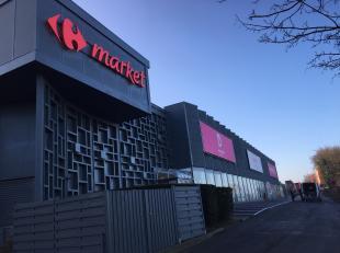 Commerciële ruimtes te huur in Denderland Shopping Center na renovatie door nieuwe eigenaar. <br /> Huurovereenkomsten voor korte termijn / pop-u