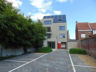 Op zoek naar een twee slaapkamer appartement in de Hoppestad Poperinge? Dit op een zucht van de Grote Markt, station, kleinhandel en etc.... Dan is di