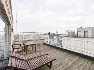 Ervaar het hotelgevoel in deze penthouse gelegen in het stadscentrum van Oostende. Nabij de visserskaai, het station, shopping en het strand!<br /> De