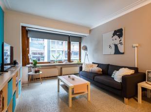 Centraal gelegen 1-slaapkamerappartement in de nabijheid van het Leopold-I Plein te Oostende en met een goede bereikbaarheid met openbaar vervoer. Ook