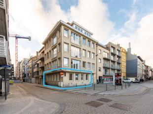 Gelijkvloers appartement te huur gelegen in het historisch stadscentrum te Oostende. Met open zicht op het Mijnplein en nabij de Visserskaai, het stra