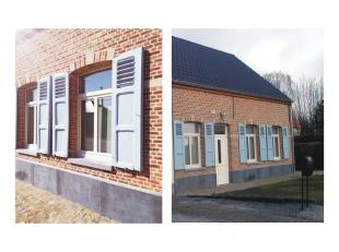 Charmante halfopen bebouwing nabij het centrum van Houtvenne.<br /> <br /> De woning omvat op het gelijkvloers een inkomhal, living met open keuken; o