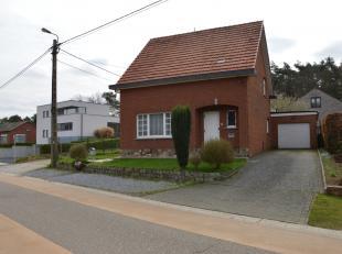 Gezellige open bebouwing met tuin en garage te koop in Langdorp.<br /> <br /> De woning omvat op het gelijkvloers een inkomhal, woonkamer, eetkamer, k